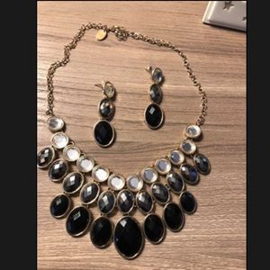 Black and gold necklace set